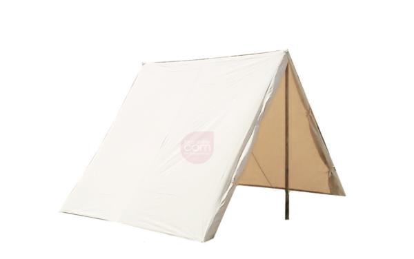 Einfaches Zelt in Natur