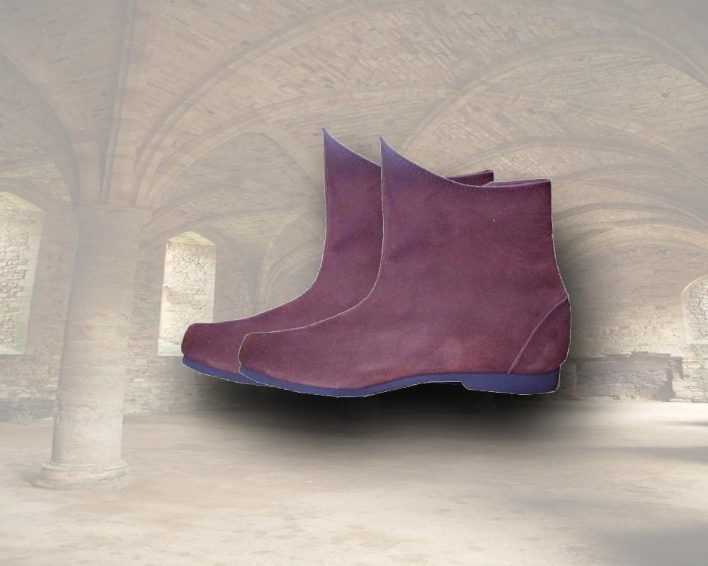 Mittelalterlich anmutender Halb-Stiefel mit dem Komfort unserer Zeit.
